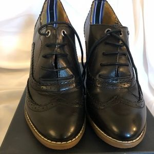 Amazing Tommy Hilfiger Tyler shoes